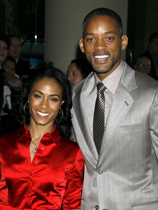 For a number of years it has been rumored that Will and Jada Pinkett-Smith have an open relationship that allows them to date other poeple. Jada took to her Facebook account on Sunday to describe what she defines as a grown relationships.
