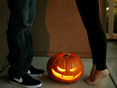 thee urban sophisticate gives five halloween dating ideas for couples this year - Halloween Date This Year