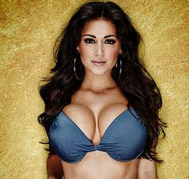 Celebrity Big Brother star Casey Batchelor has been secretly dating Will I Am for six months while kissing Lee. www.iDateDaily.com
